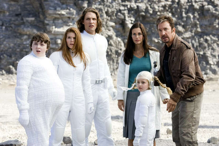 Spencer Breslin, from left, Kate Mara, Michael Cassidy, Courteney Cox, Ryan Newman and Tim Allen star in Zoom. Photo: Columbia Pictures