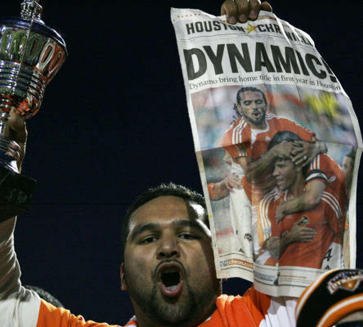 MLS action is fan-tastic for Dynamo backer Maximiliano Cárdenas III.