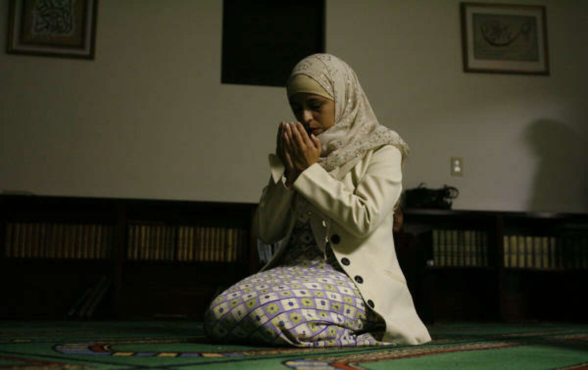 """Zulayka Martinez, who converted to Islam six years ago, says she """"felt very alone"""" during her first two Ramadans. Since then, she has become the center of a close-knit group of Latina Muslims who support each other throughout the holy month and the rest of the year."""