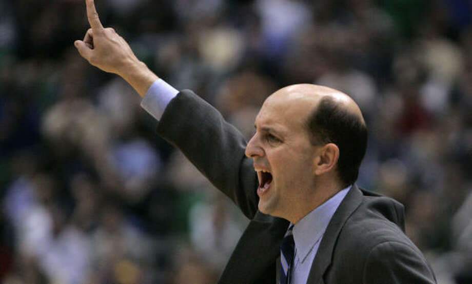 Jeff Van Gundy had reason to yell in the 10-point loss. Photo: DOUGLAS C. PIZAC, AP