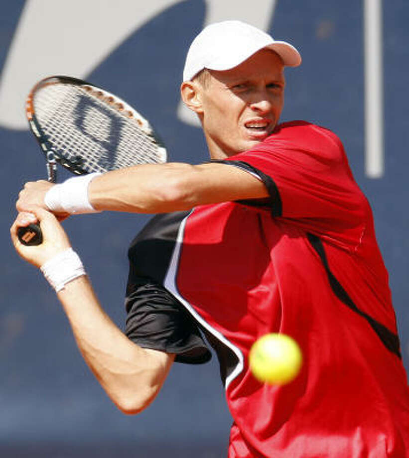 Russian tennis player Nikolay Davydenko has advanced to the third round of the Hemberg Masters. Photo: Fabian Bimmer, AP