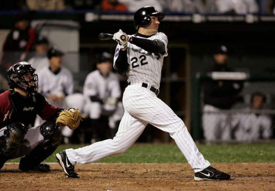 A star of the 2005 World Series champion White Sox, Scott Podsednik was reportedly claimed off waivers from the Cubs on Friday. Photo: Jonathan Daniel, Getty Images
