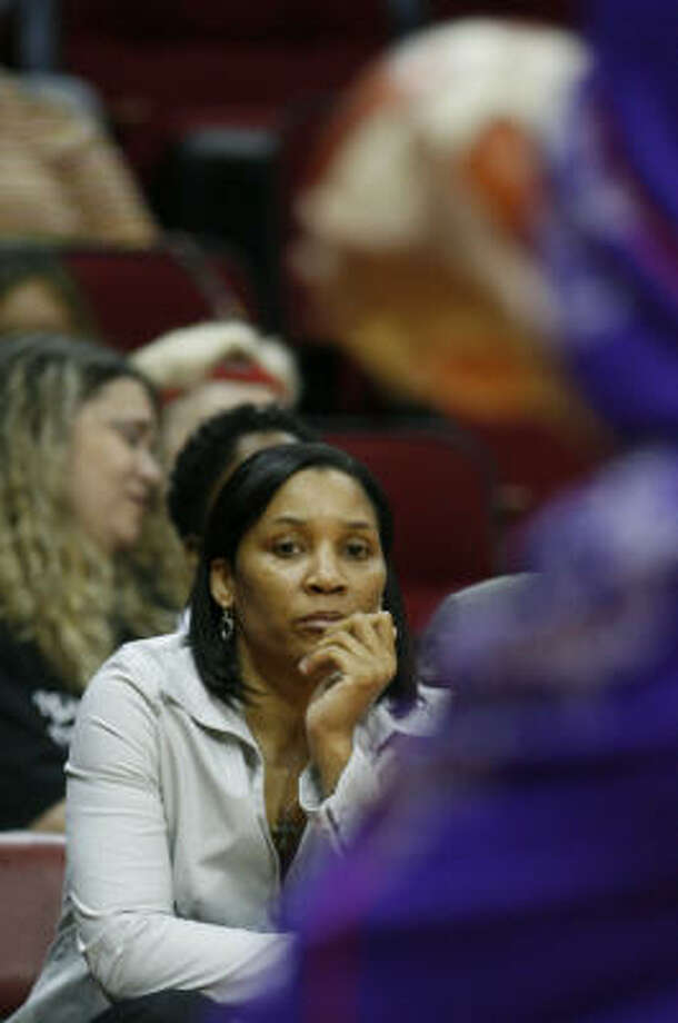 First-year Comets coach Karleen Thompson is still waiting for her team's first victory. Photo: James Nielsen, Chronicle