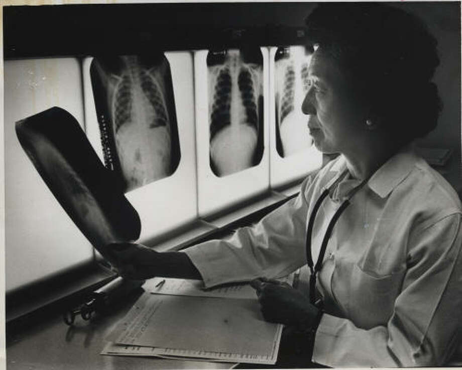 Dr. Katharine Hsu, seen here in 1968, started a one-room, one-nurse pediatric TB facility in 1953. Photo: Houston Chronicle File Photo