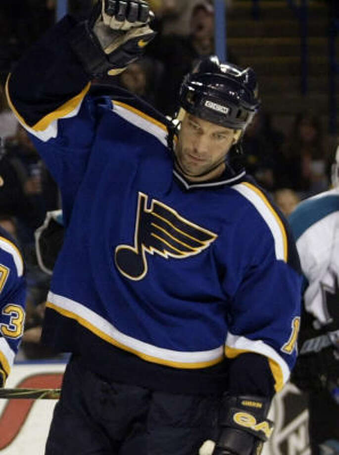 Bill Guerin was dealt ahead of leaving St. Louis as an unrestricted free agent. Photo: TOM GANNAM, AP