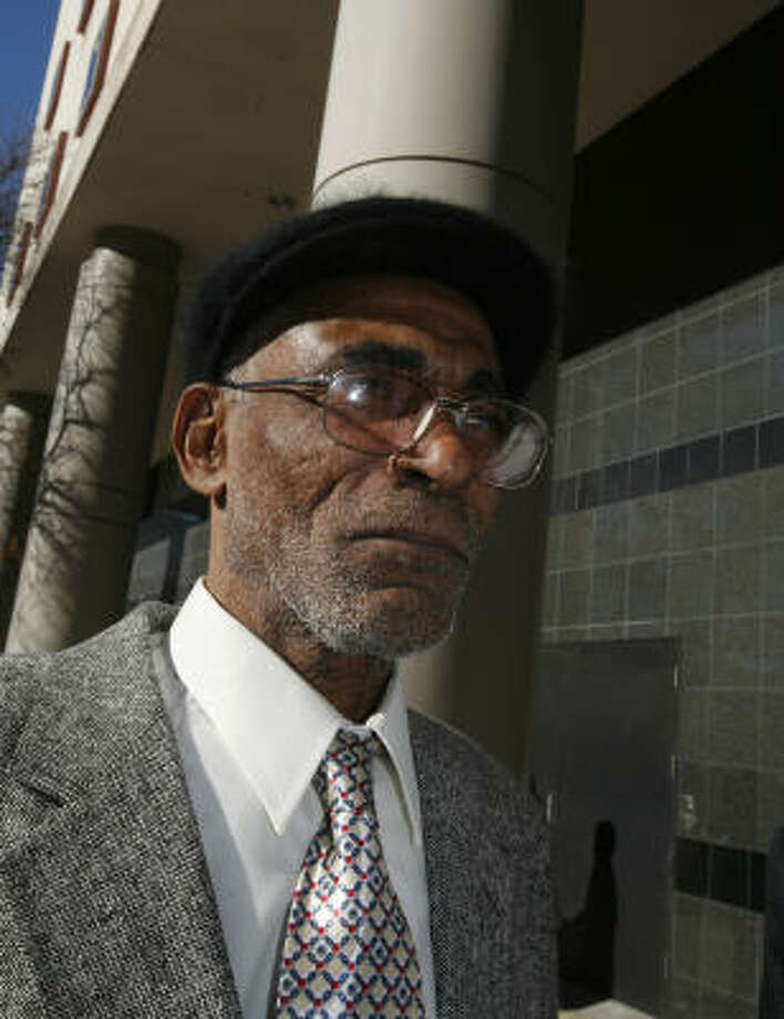 Tyrone Mapletoft Williams, Sr., 62, came from his home in Springfield, Mass., to testify in the penalty phase in the trial of his son, Tyrone Williams Jr. Photo: Steve Ueckert, Chronicle