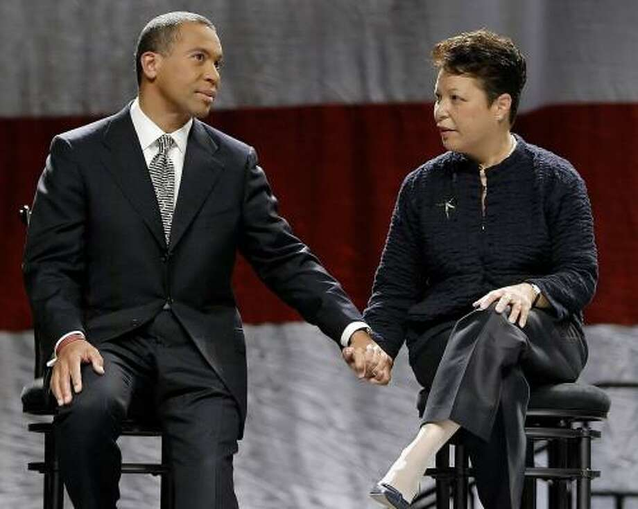 Then-Massachusetts gubernatorial candidate Deval Patrick and his wife, Diane, weather the campaign last October in Worcester, Mass. His wife is now being treated for depression. Photo: STEPHAN SAVOIA, ASSOCIATED PRESS