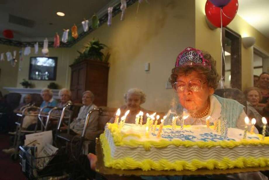 Gertrude Childers celebrates her 102nd birthday on Friday at The Hampton at Tanglewood assisted-living residence. Photo: SHARoN STEINMANN, CHRONICLE
