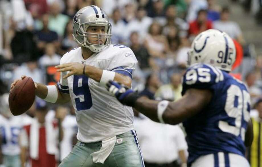 Tony Romo went 10-for-11 in Thursday's exhibition against the Colts, helping the Cowboys to a 23-10 win. Photo: Tony Gutierrez, AP