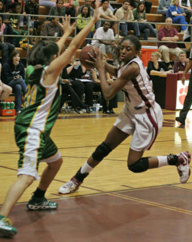 Nneka Ogwumike had 27 points and 16 rebounds for Cy Fair, which jumped on Cypress Falls early and stayed perfect on the season and atop 17-5A. Photo: Gary Fountain, For The Chronicle