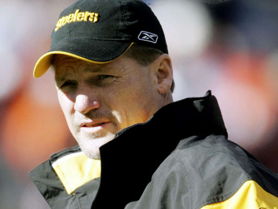 Ken Whisenhunt was also a strong contender to replace Steelers head coach Bill Cowher. Photo: JACK DEMPSEY, AP