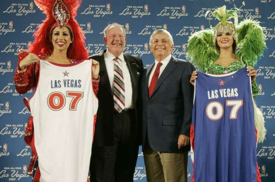 Las Vegas Mayor Oscar Goodman, left, believes he can eventually get NBA commissioner David Stern, right, to agree to bring the league to the city permanently. Photo: JOE CAVARETTA, ASSOCIATED PRESS