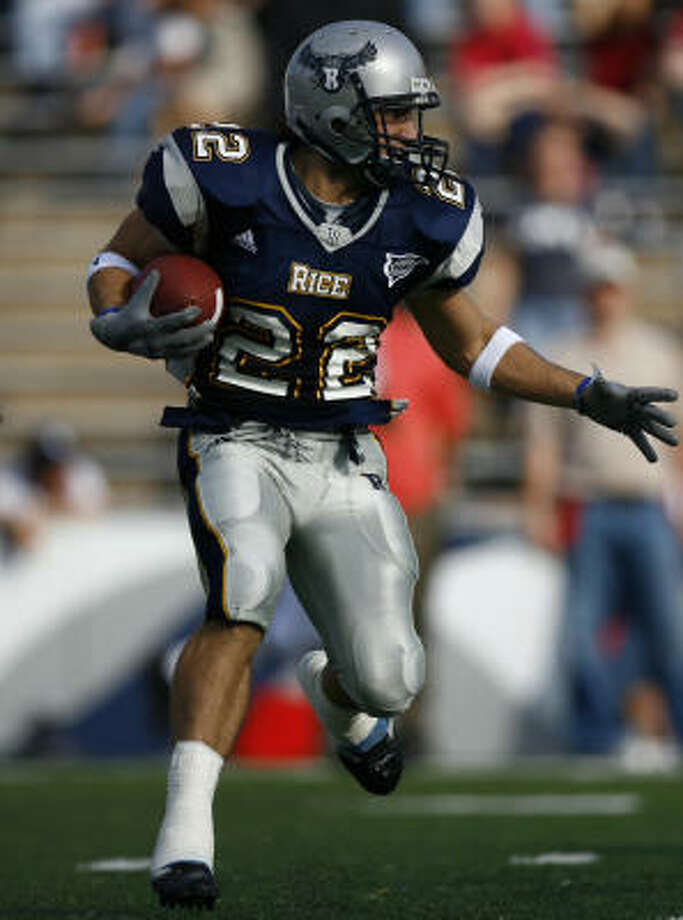 Rice's Mike Falco (pictured), Joel Armstrong and Tommy Henderson have combined for 73 catches and three TDs. Photo: Steve Ueckert, Houston Chronicle