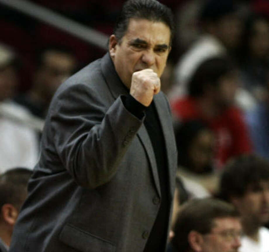 Grizzlies coach Tony Barone used to ply his trade in College Station. Photo: SMILEY N. POOL, CHRONICLE