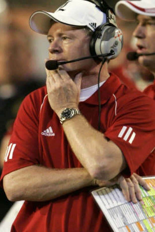 Bobby Petrino will be given the task of producing a winner in Atlanta after a successful run at Louisville. Photo: Lynne Sladky, AP