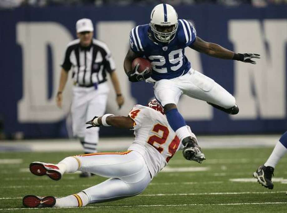 Joseph Addai of the Indianapolis Colts already has an air of greatness as a rookie running back. Photo: Jonathan Daniel, Getty Images