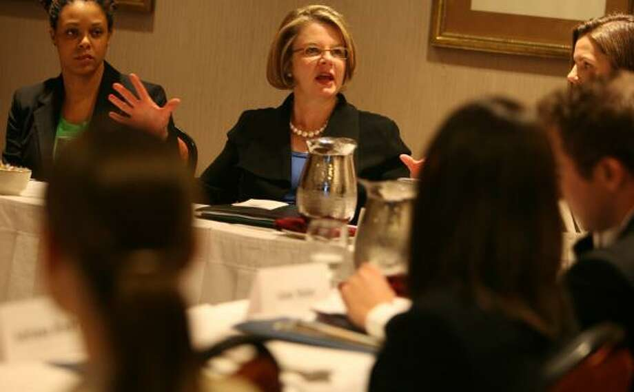 Education Secretary Margaret Spellings hosts a roundtable with Teach for America teachers at the Doubletree Hotel downtown Friday. The program sends recent college graduates into the nation's toughest schools for two-year teaching stints. Photo: SHARÓN STEINMANN, CHRONICLE