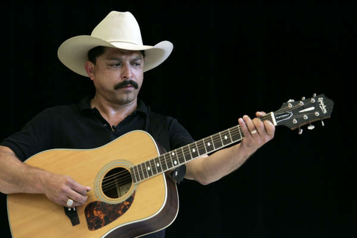 Tejano singer Emilio Navaira suffered severe head injuries in March 2008 when he crashed his tour bus on a Houston freeway. He pleaded guilty to DWI today.
