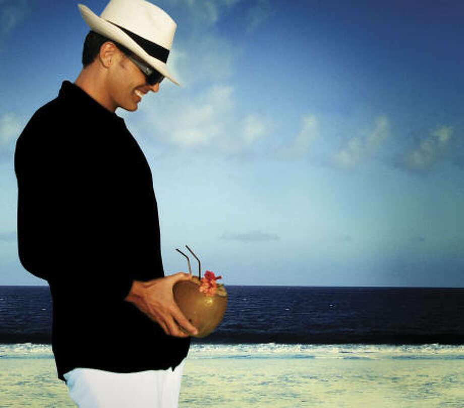 Luis Miguel regresa con un trabajo entre ritmos bailabes y baladas. Photo: Warner Music