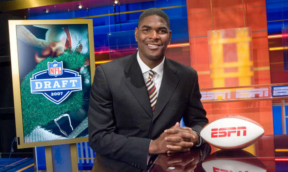 Keyshawn Johnson has agreed to a multiyear contract with ESPN, and will appear on several network telecasts, including pre-game shows on Sundays and Monday nights, and do some radio work as well. Photo: Rich Arden, AP