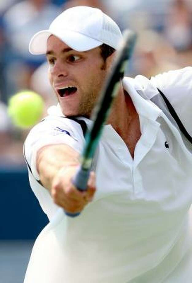 After beating Ivo Karlovic on Saturday, Andy Roddick, above, will try for his third title at the Legg Mason Tennis Classic today. Photo: MATTHEW STOCKMAN, GETTY
