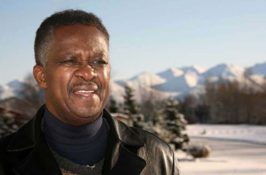 The Rev. Alonzo Patterson, an Alaska pastor, said he and other black leaders have urged Sarah Palin to hire more minorities in her administration. Photo: Al Grillo, Associated Press