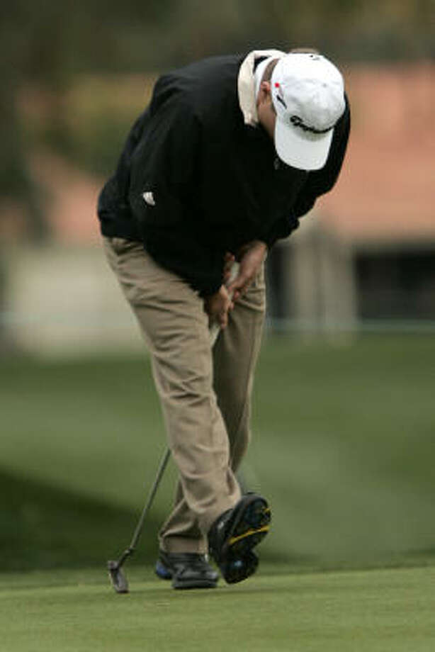 Scott Verplank misses a birdie at No. 18. He's  two strokes behind the leader. Photo: Don Ryan, AP
