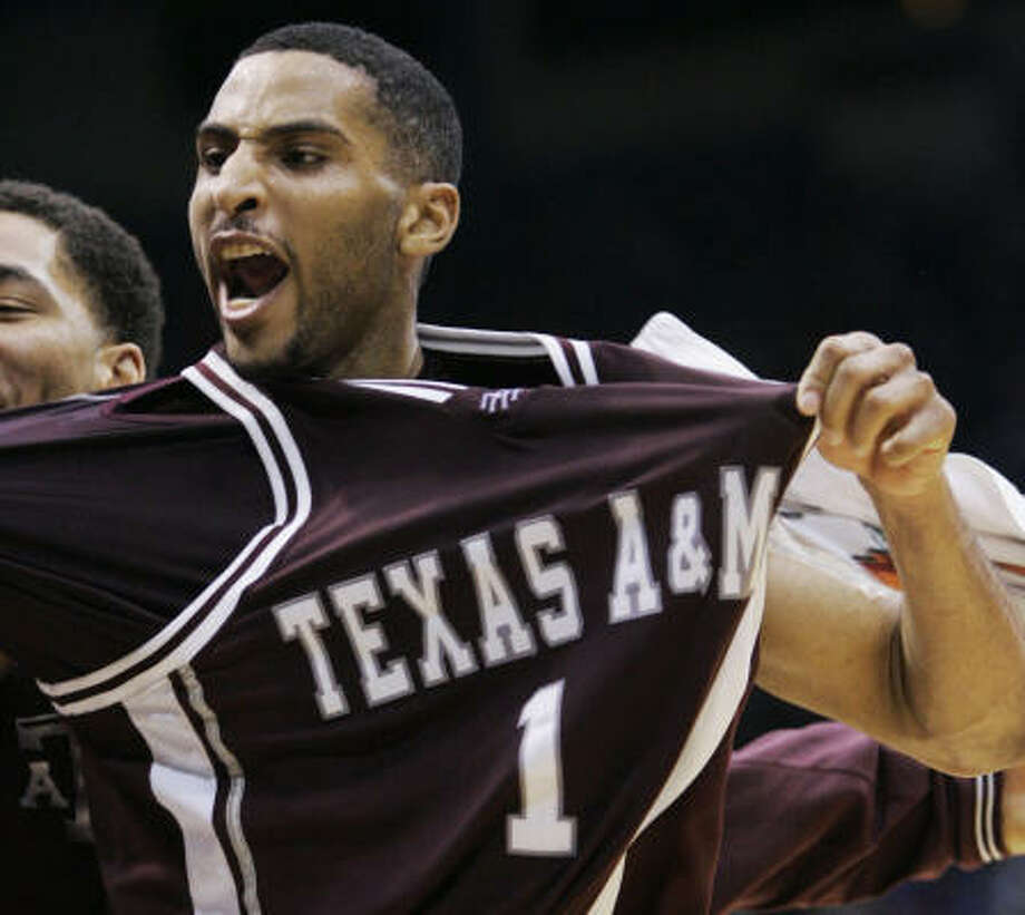 Texas A&M guard Acie Law is among 30 finalists for the Naismith Trophy and 10 finalists for the Lowe's Senior Class Award. Photo: Orlin Wagner, AP