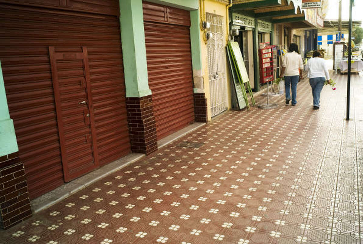 The streets of Guadalupe Victoria empty before 6 p.m. these days. A fear of gang violence, particularly from the Zetas, borders on hysteria around the state, residents and officials said.