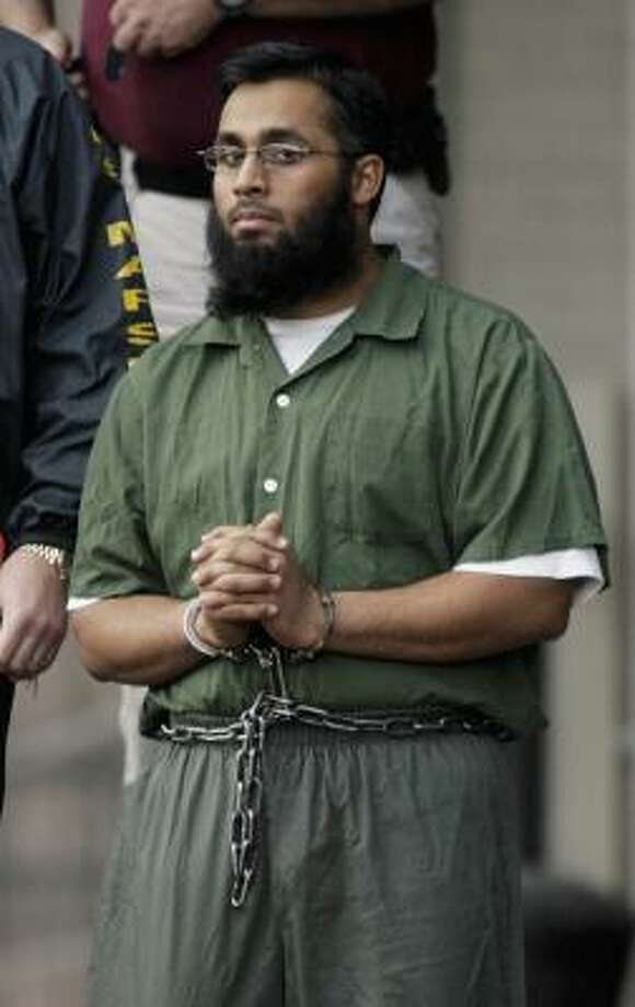 Shiraz Syed Qazi, shown outside court in November 2006, attended Houston Community College on a student visa. Photo: Dave Einsel, Getty Images