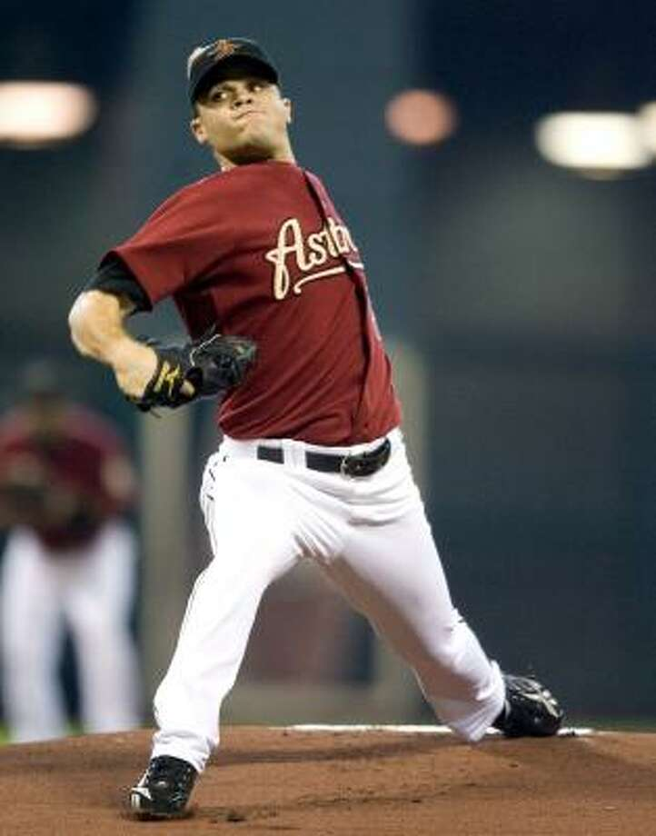 Astros starter Wandy Rodriguez pitches in the first inning against the St. Louis Cardinals. Photo: Bob Levey, AP