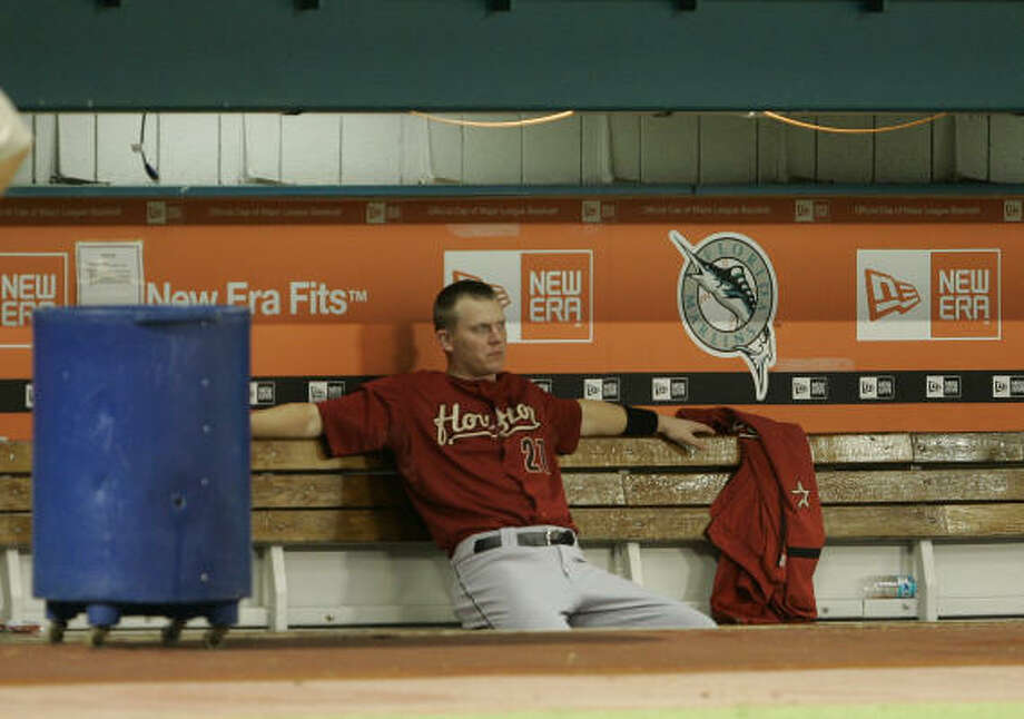 Geoff Blum sits in the dugout after being defeated by the Florida Marlins on Wednesday at Dolphin Stadium in Miami. The Astros wild-card hopes appear to be slipping away, Richard Justice writes. Photo: Wilfredo Lee, AP