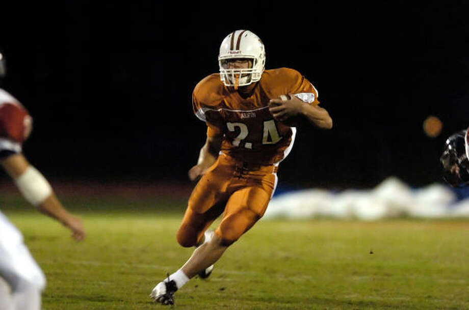 Running back Ashton Jefferson will be key for Alvin against Dickinson on Friday. Photo: Ronnie Montgomery