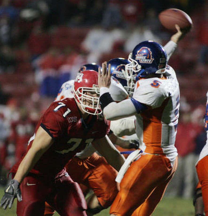 Jared Zabransky had 23 TD passes and just eight interceptions last season for Boise State. Photo: GARY KAZANJIAN, AP