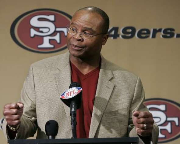 Mike Singletary takes over in San Fransisco after the firing of.