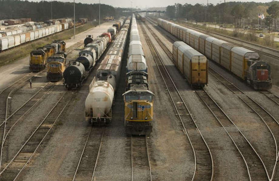 Rail cars at the Lloyd Yard. Photo: SHARON STEINMANN, Chronicle