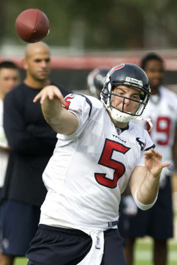 When they signed Rex Grossman to a one-year contract for the $620,000 minimum, the Texans were hoping he would solidify the third position behind Matt Schaub and Dan Orlovsky. Photo: Brett Coomer, Houston Chronicle
