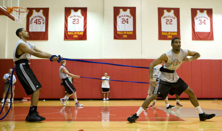 The Rockets are using new training techniques in preparation for the 2009-10 season. Photo: Brett Coomer, Chronicle