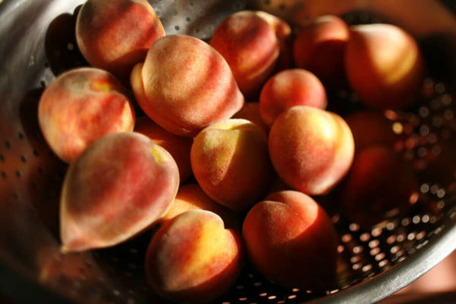 Peaches Photo: Kevin Fujii, Chronicle