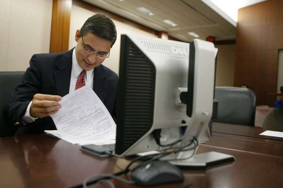 Houston Judge Defense Lawyers Get Computer In Court Too