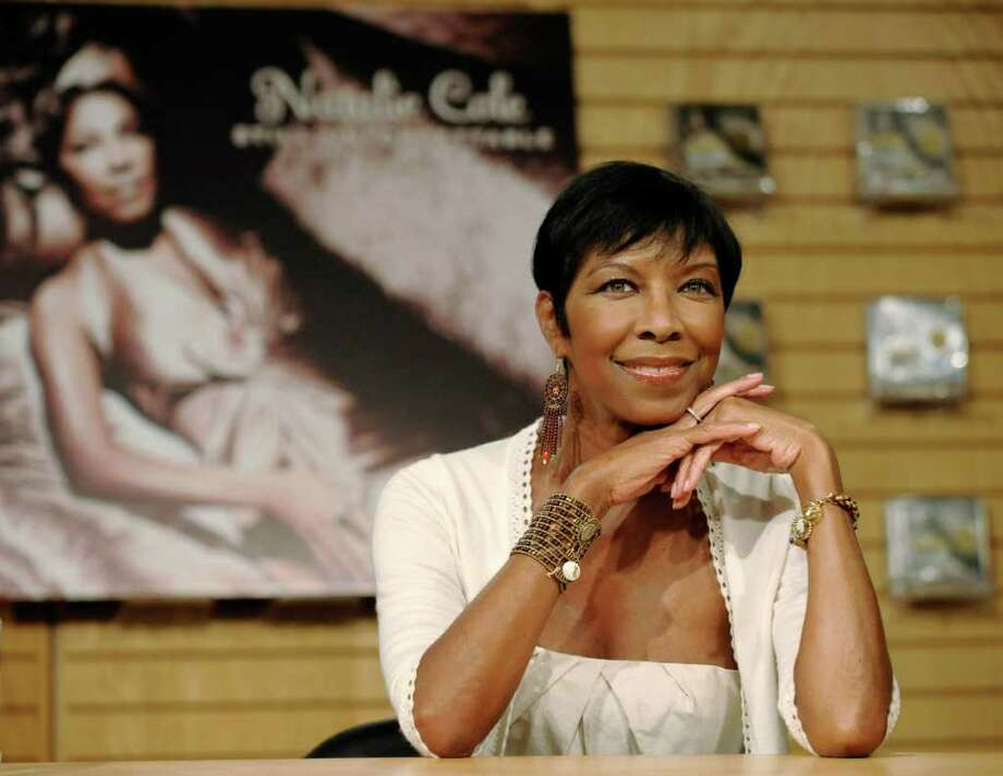 "Singer Natalie Cole poses before signing copies of her new CD, ""Still Unforgettable,"" at Borders Westwood in Los Angeles., Tuesday, Oct. 28, 2008. Photo: Chris Pizzello, AP / AP"