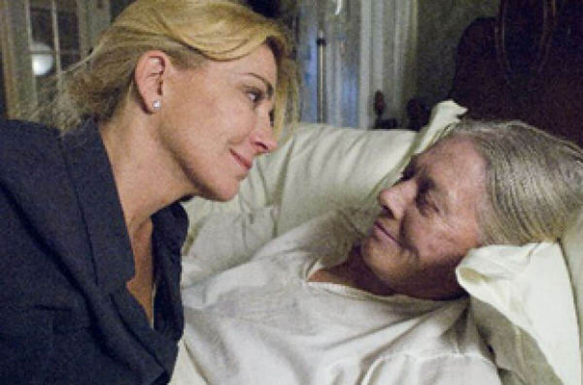 Natasha Richardson (left) and Vanessa Redgrave (right) star in Evening.