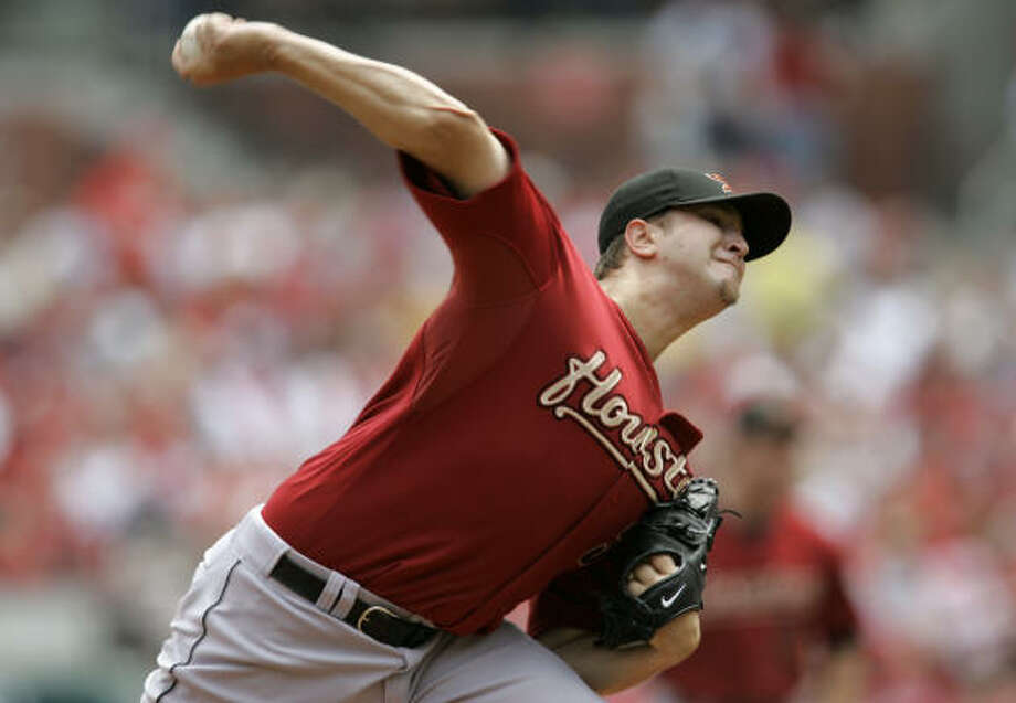 Astros starter Matt Albers pitches against the Cardinals. Photo: Jeff Roberson, AP