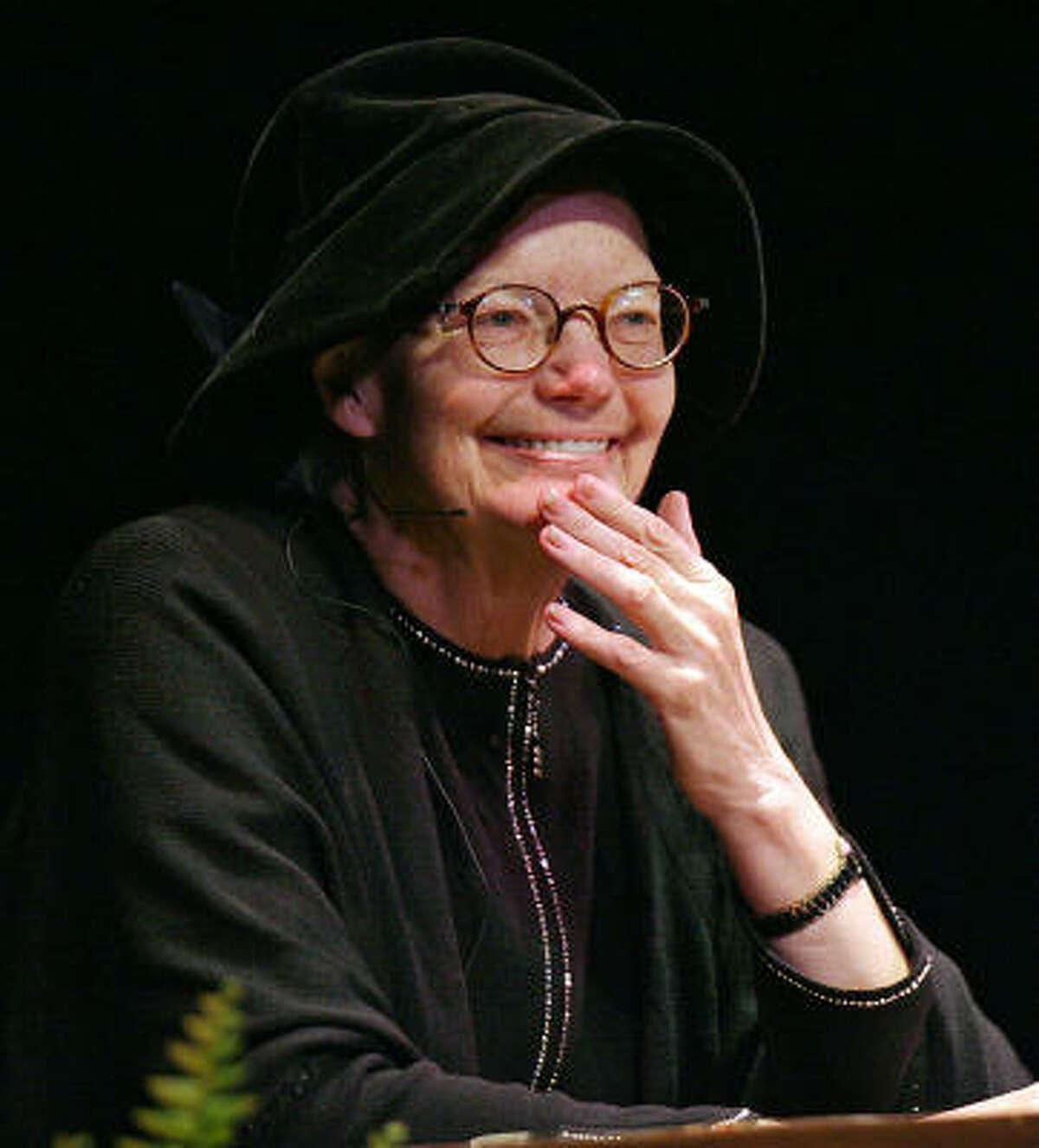 Molly Ivins speaks at the University of Texas in Austin, Nov. 15, 2006.