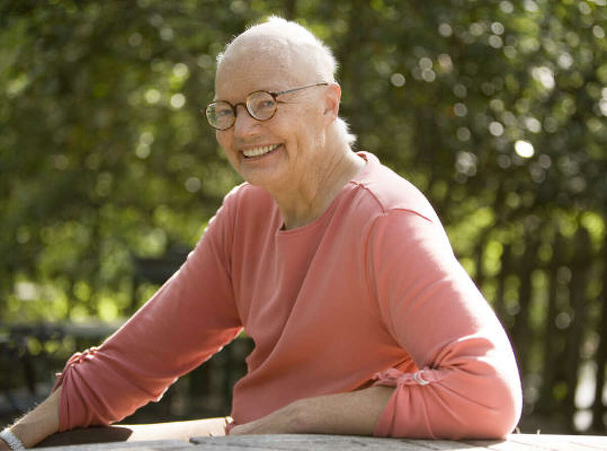 Syndicated columinist Molly Ivins poses at her south Austin home in September.