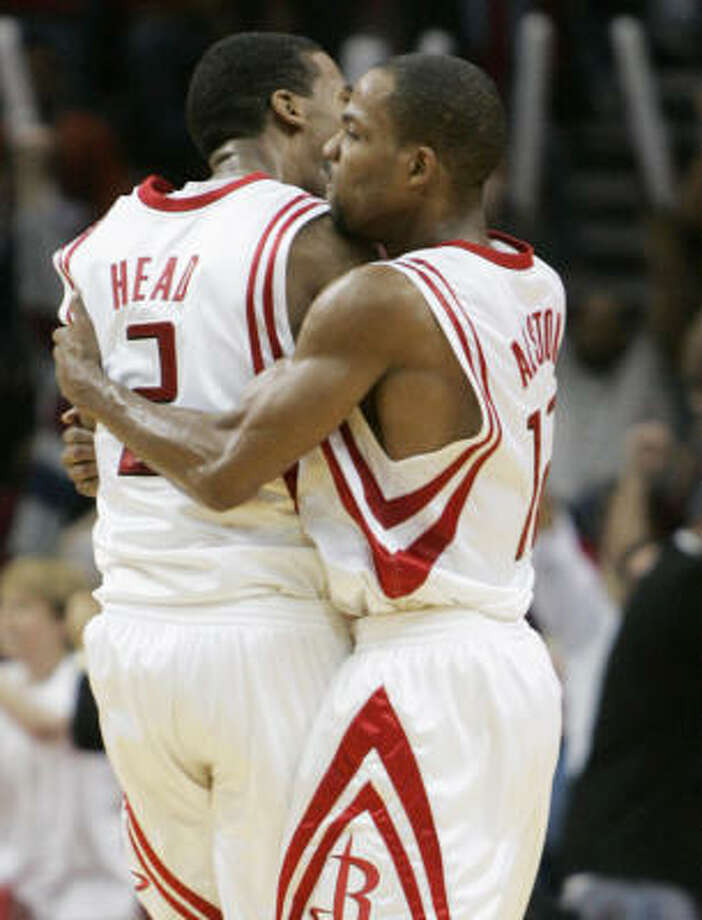 Luther Head's late 3-pointer against the Wizards gave Rafer Alston and the rest of the Rockets a reason to rejoice. Photo: BRETT COOMER, HOUSTON CHRONICLE