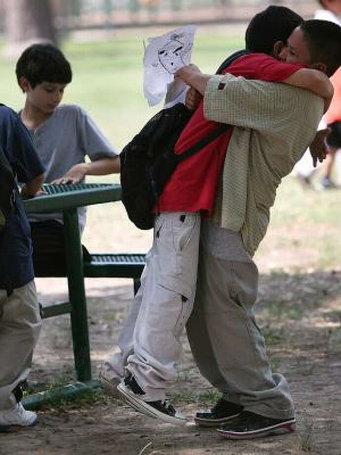 Hisd Kids Ring In Summer But Others Must Wait A Week Houston