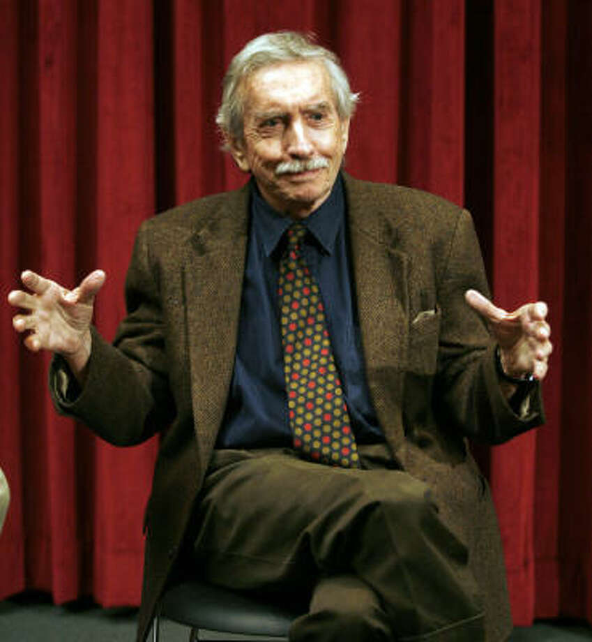 Pulitzer Prize-winning playwright Edward Albee said he's returning to the University of Houston because he missed teaching. Photo: Michael Nagle :, NYT