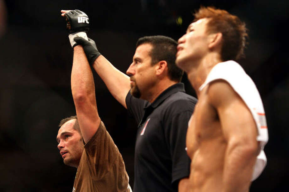 Rich Franklin won a close decision over Yushin Okami at UFC 72 in Belfast, Northern Ireland. Photo: PETER MORRISON, AP