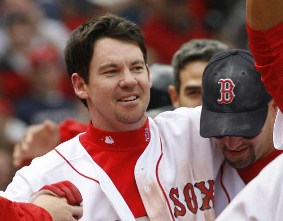Mark Loretta was an All-Star second baseman for the Red Sox last season He believes his new team in Houston has what it takes to win this year. Photo: STEPHJAN SAVOIA, AP